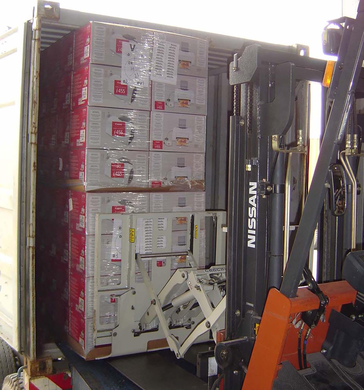Nakládka kontejneru _Sopack